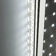 LED設置は側面と全面の2種類。