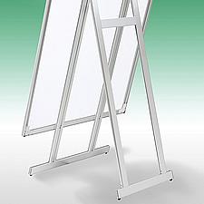 LEDパネル一体型のラクスタンド、ハイタイプの裏面です。安全性、シンプルな構造を追求し、極限まで軽量なポスタースタンドを製作しました。