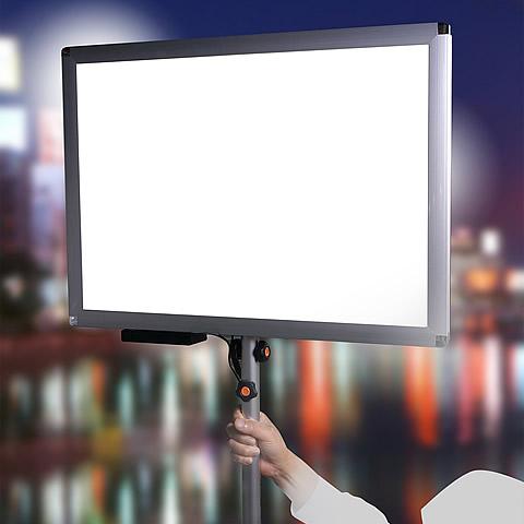 両面発光の軽量LEDプラカード