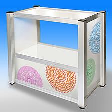 照明内蔵の展示テーブルです。宝石などの照明が映える小物やグッズの展示に最適です。