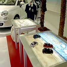 サンドアート展示用の特注テーブルです。テーブル裏面にLED導光板を組み込んでいます。