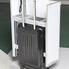 グリップフレームシステムを活かして、キャリーバッグのサイズに合わせた専用のフレームを製作しました。アルミフレーム製ですので、非常に軽量に仕上がっています。