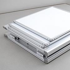 折り畳んだ状態はコンパクトで持ち運びにも便利です。