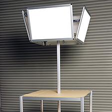 四面LEDパネルディスプレイ、社内での組み立て完成写真です。