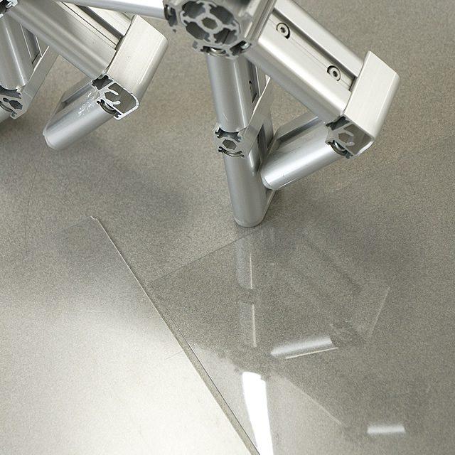 透明板の比較、標準タイプと低反射タイプ(3)