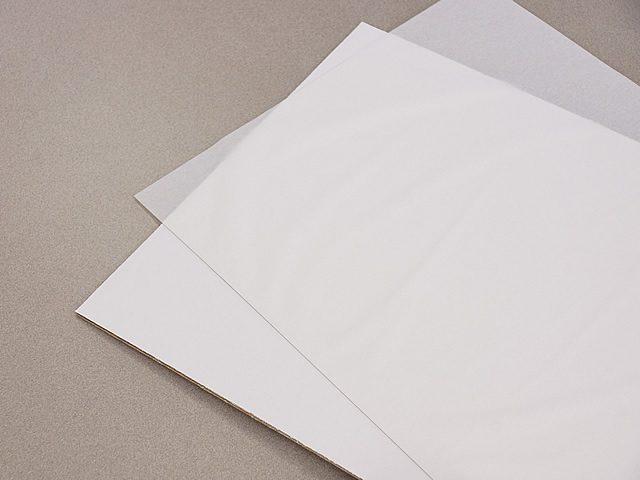 透明板の保護紙を剥がしてください。(1)