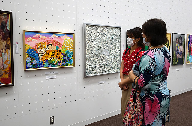 第16回 世界絵画大賞展 展覧会の様子(1)