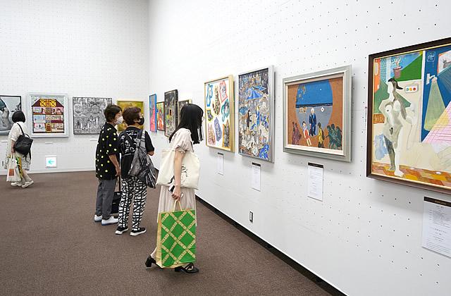 第16回 世界絵画大賞展 展覧会の様子(2)
